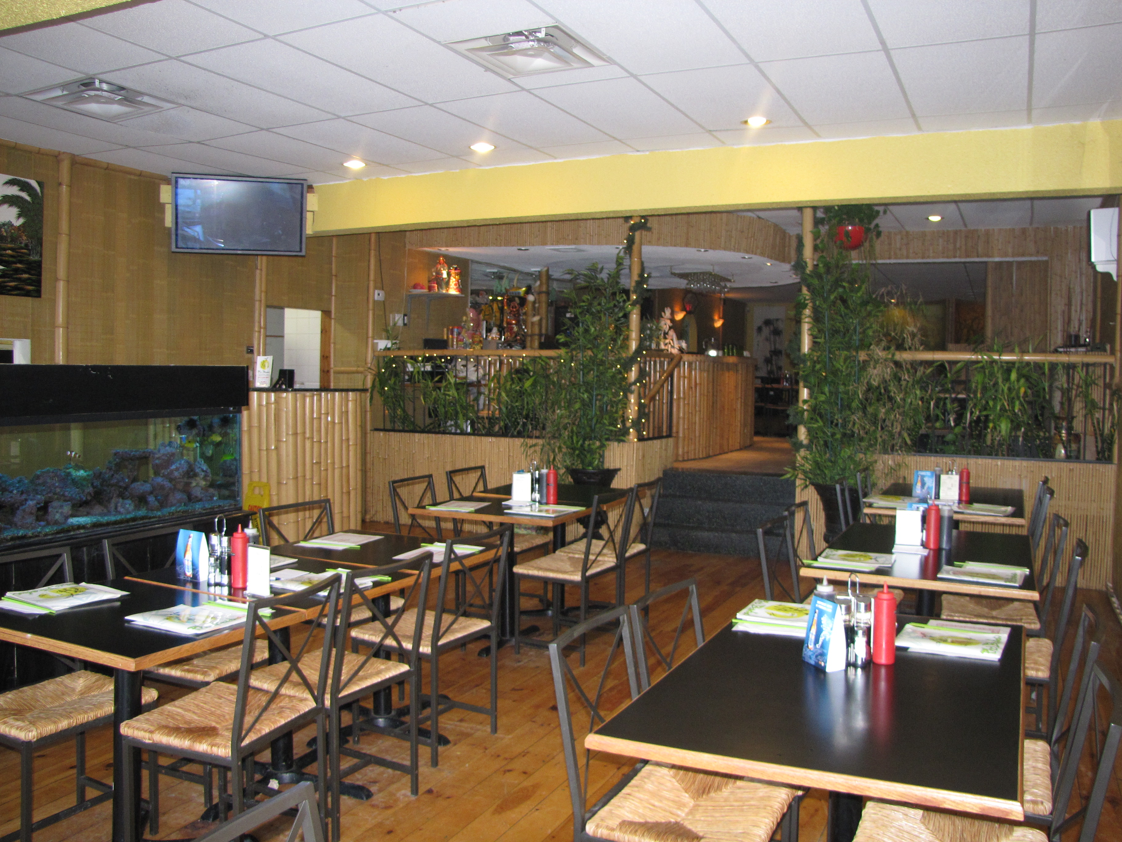 pho bamboo vietnamese restaurant  1792 bank street  ottawa