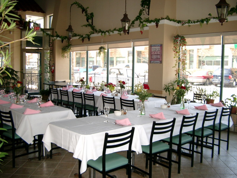 Il porcellino italian restaurant 6720 davand dr for Best private dining rooms mississauga