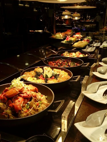 Review of Plates International buffet on 2016-05-06 21:50:58